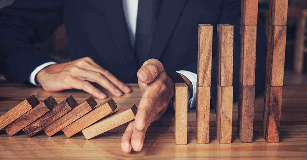 純利益が半減、スルガ銀行の2018年3月期業績発表