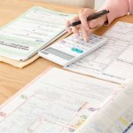 赤字で申告する場合、修繕費は一括で費用計上、資産計上どちらにすべき?