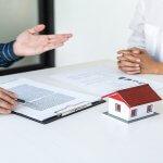 相場よりも所有物件の家賃が安いことが発覚…値上げ交渉は可能?