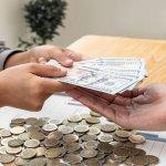 新規設立した法人で役員給与はいつから支給できる?